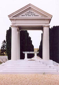http://img44.xooimage.com/files/1/c/4/tempio_cimitero_i...o_bligny-12e8c1b.jpg